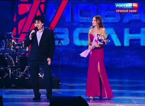 Александр Серов запрещает 24-летней наследнице гулять по ночам