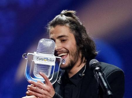 Раскритиковавший «Евровидение» Лоза оценил выступление Сальвадора Собрала