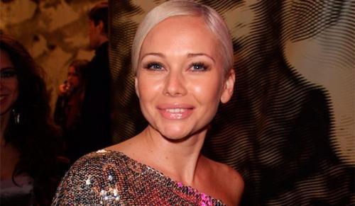 Соседи Елены Кориковой пожаловались на ее шумный образ жизни