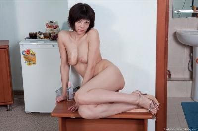 Hairy Pussy Girlfriend - Pictures