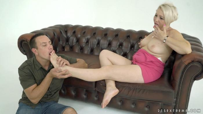 [LustyGrandmas / 21Sextreme / 21Sextury.com] Bibi Pink, Rob - Because I Deserve It [2018-09-29, Blowjob, granny, big tits, blonde, old-young, one on one, cumshot, natural tits, 1080p]
